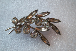 Vintage Spray Brooch. Clear Round And Navette Style Stones. - $20.00