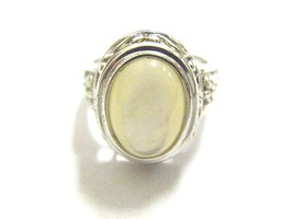 MOTHER OF PEARL OVAL CABOCHON .925 SILVER RING - £25.82 GBP