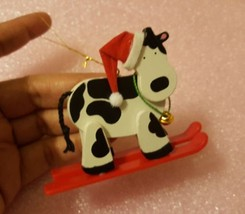 Avon Holly Jolly Cow Skiing Cow Christmas Tree Ornament • pre-owned • ni... - $13.12