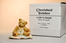 Cherished Teddies - A Gift To Behold - 599352 - Bear On Quilt - $12.66