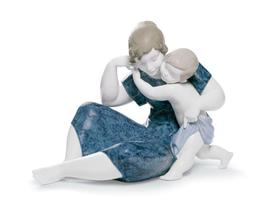Lladro 01008387 A child's love Gloss - $675.00