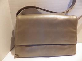 Gorgeous Tignanello Pewter Leather Accordian Envelope Shoulder Bag Handbag - $24.70