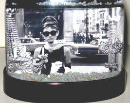 Breakfast At Tiffany's Snow Globe Audrey Hepburn Holly Golightly Tiffanys Lbd - $24.99