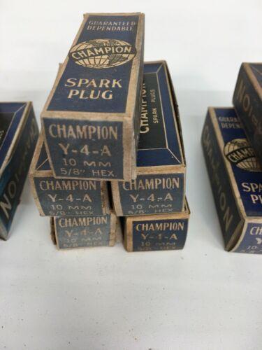 SPARK PLUG SET SPARK PLUGS BOX OF 10 VINTAGE CHAMPION J-14Y NOS NEW OLD STOCK