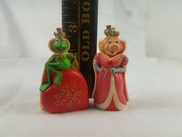 Hallmark Merry Miniatures Muppets Kermit the Frog Prince of Hearts & Miss Piggy image 8