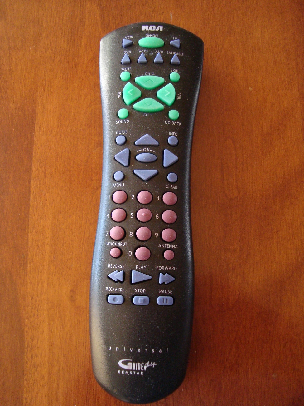 RCA CRK76TE1 UNIVERSAL REMOTE - With Gemstar Guide Plus