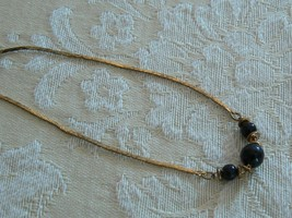 Unmarked Vintage Sweet Dainty Gold Tone Black Beads Chain Bracelet - $3.95