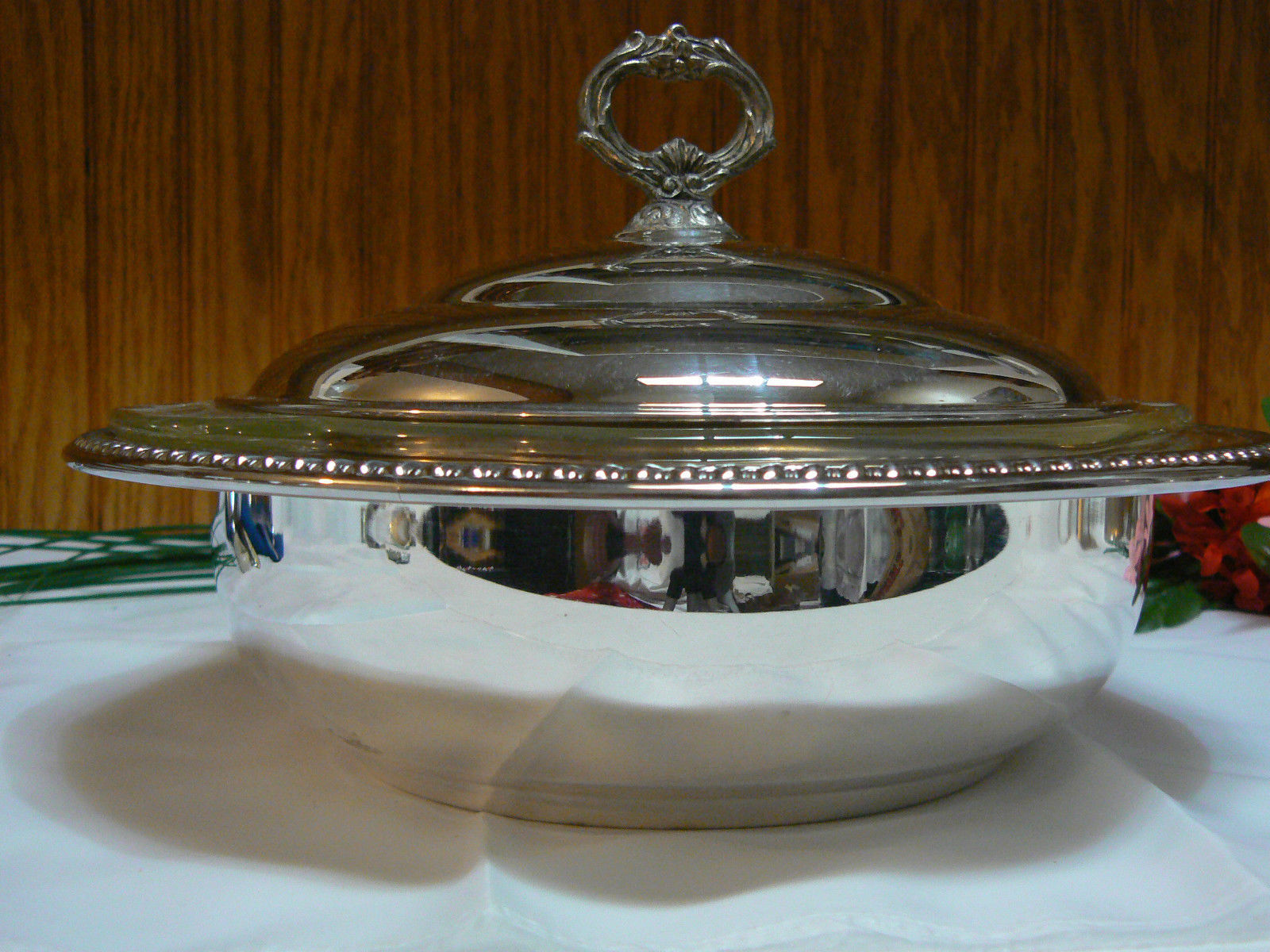 Vintage Sheridan Silver Co Silverplate Covered Serving Bowl/Dish Anchor Hocking