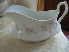 Antique/Vintage Homer Laughlin Hudson Pattern Handled Gravy Boat  - $19.78
