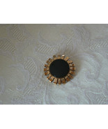 Lovely Vintage Gold Winard 12K GF Black Onyx Center Brooch - $10.62