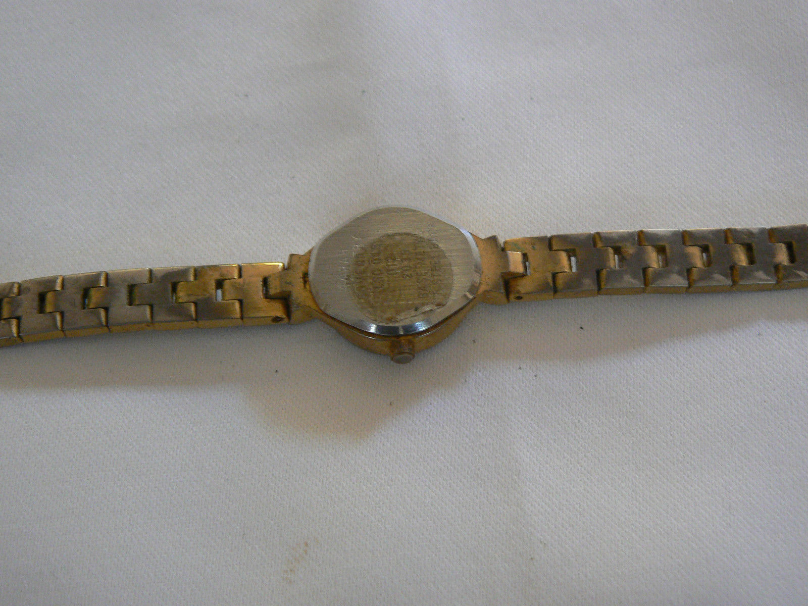 Gorgeous Vintage Sarah Coventry Goldtone Link Band Watch
