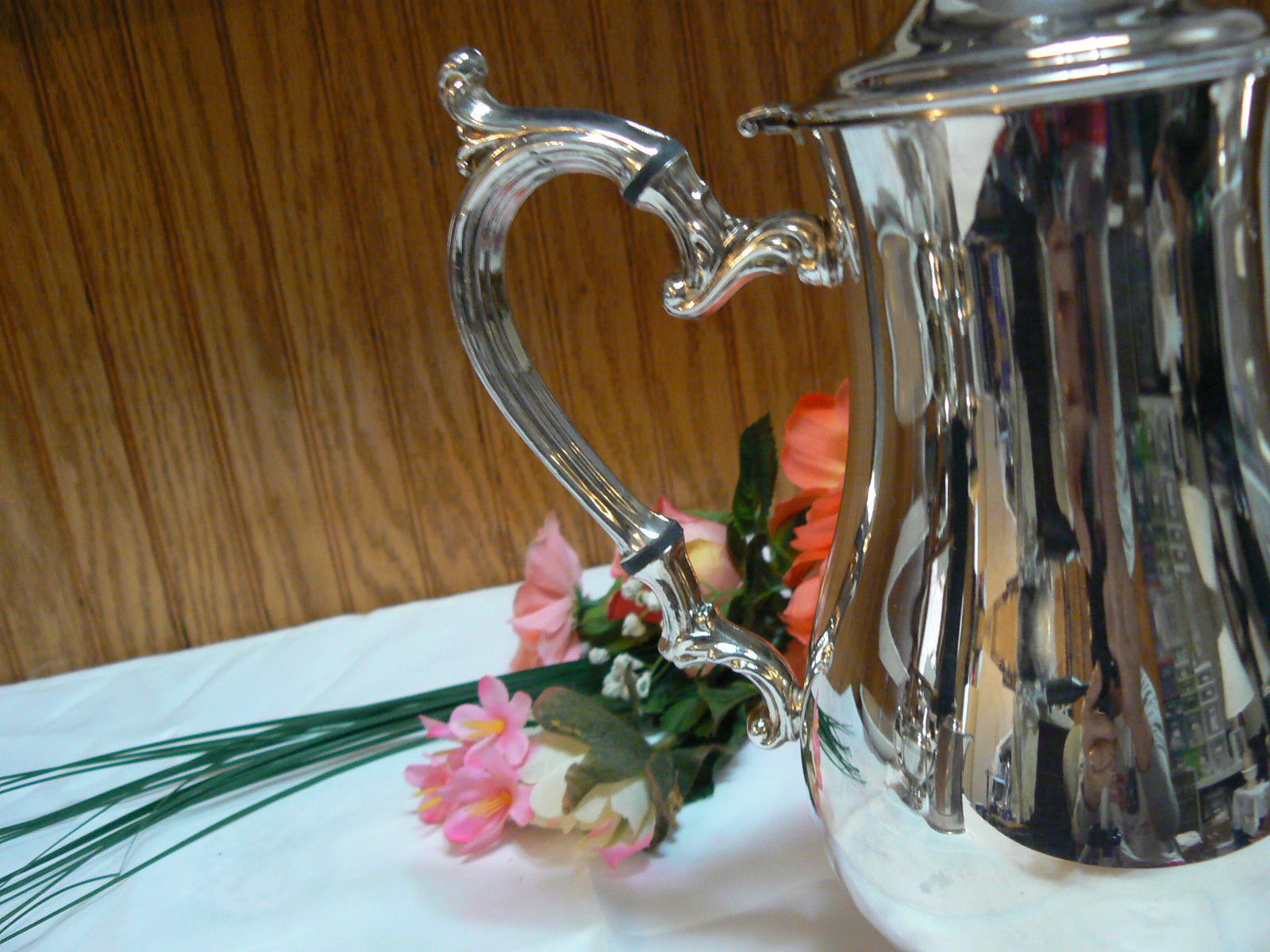 Vintage Lovely International Silver Silverplate Pineapple Top Footed Tea Pot
