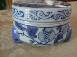 Vintage Oriental Blue White Covered Trinket Box... - $10.93