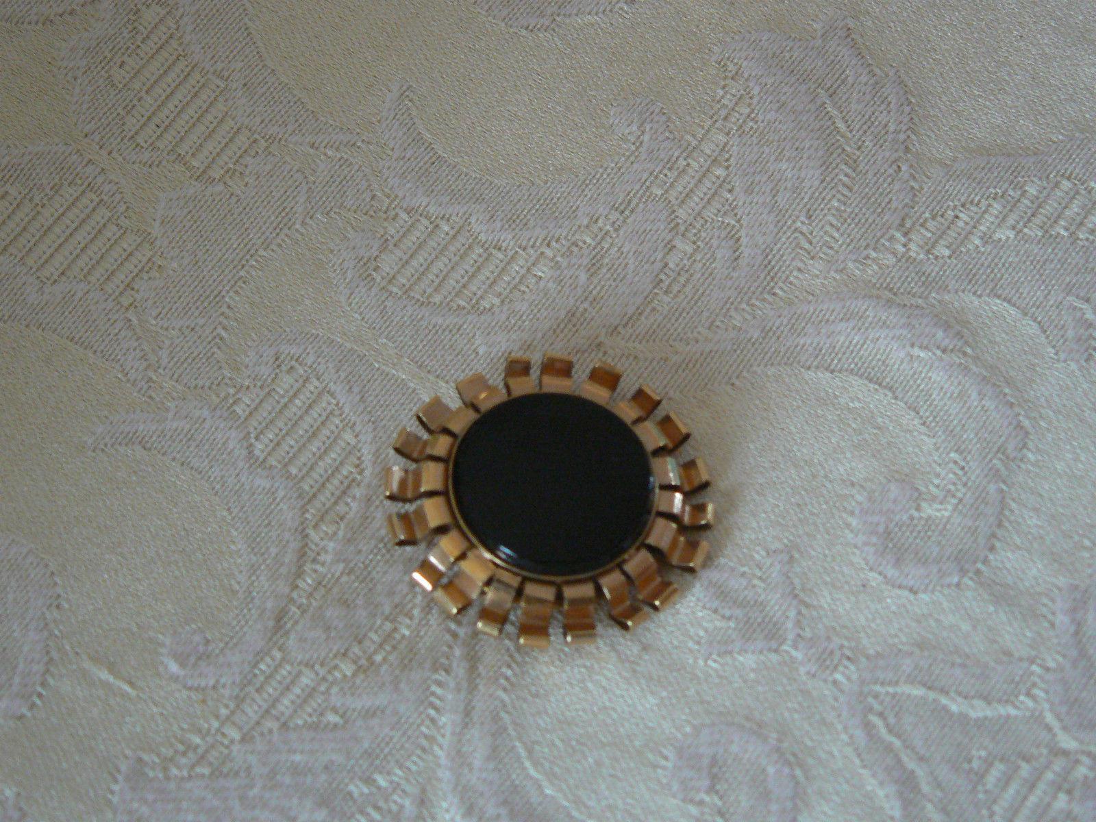 Lovely Vintage Gold Winard 12K GF Black Onyx Center Brooch