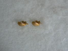 Lovely Vintage Goldtone Trifari Dainty Ribbed Half Circle Earrings  - $9.89