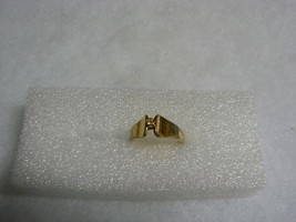 Avon Lovely Vintage Goldtone Raised Clear Rhinestone Ring - $12.86