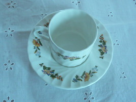 Lovely Vintage Aynsley English Bone China Cottage Tea Cup & Saucer  - $19.78