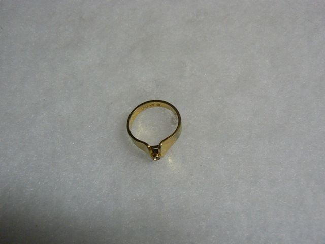 Avon Lovely Vintage Goldtone Raised Clear Rhinestone Ring image 3