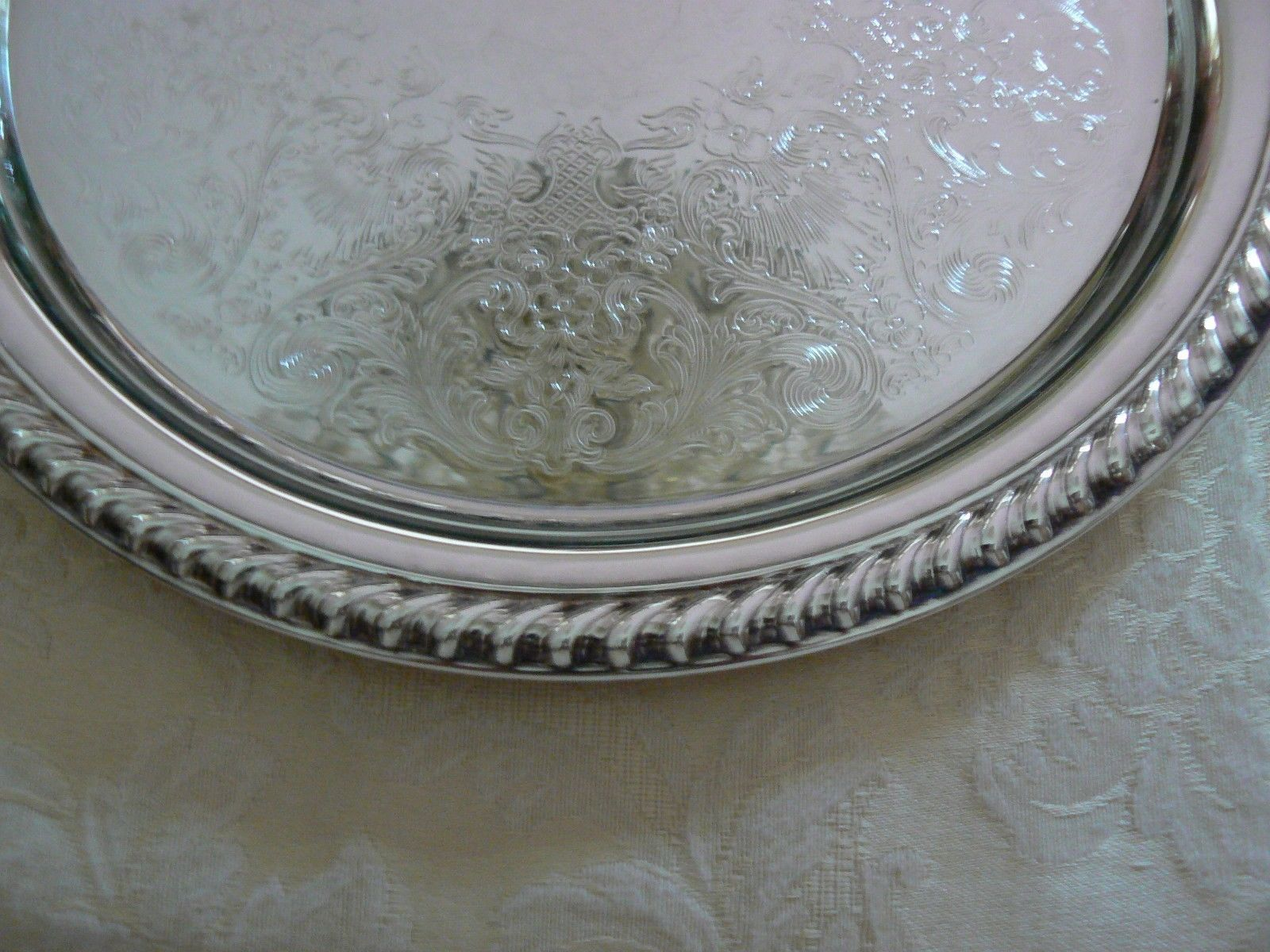 Vintage Wm Rogers Silverplate Small Etched Bottom Ribbed Edges Platter