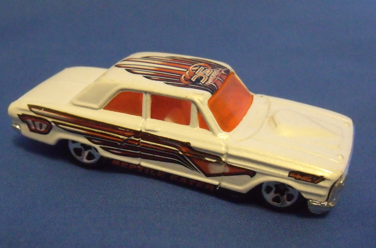 Hot wheels white reptile eater car right
