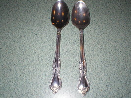 "2 Oneida Stainless Steel POLLENTA Oval Soup Spoons 7 1/2"" Long - $8.99"