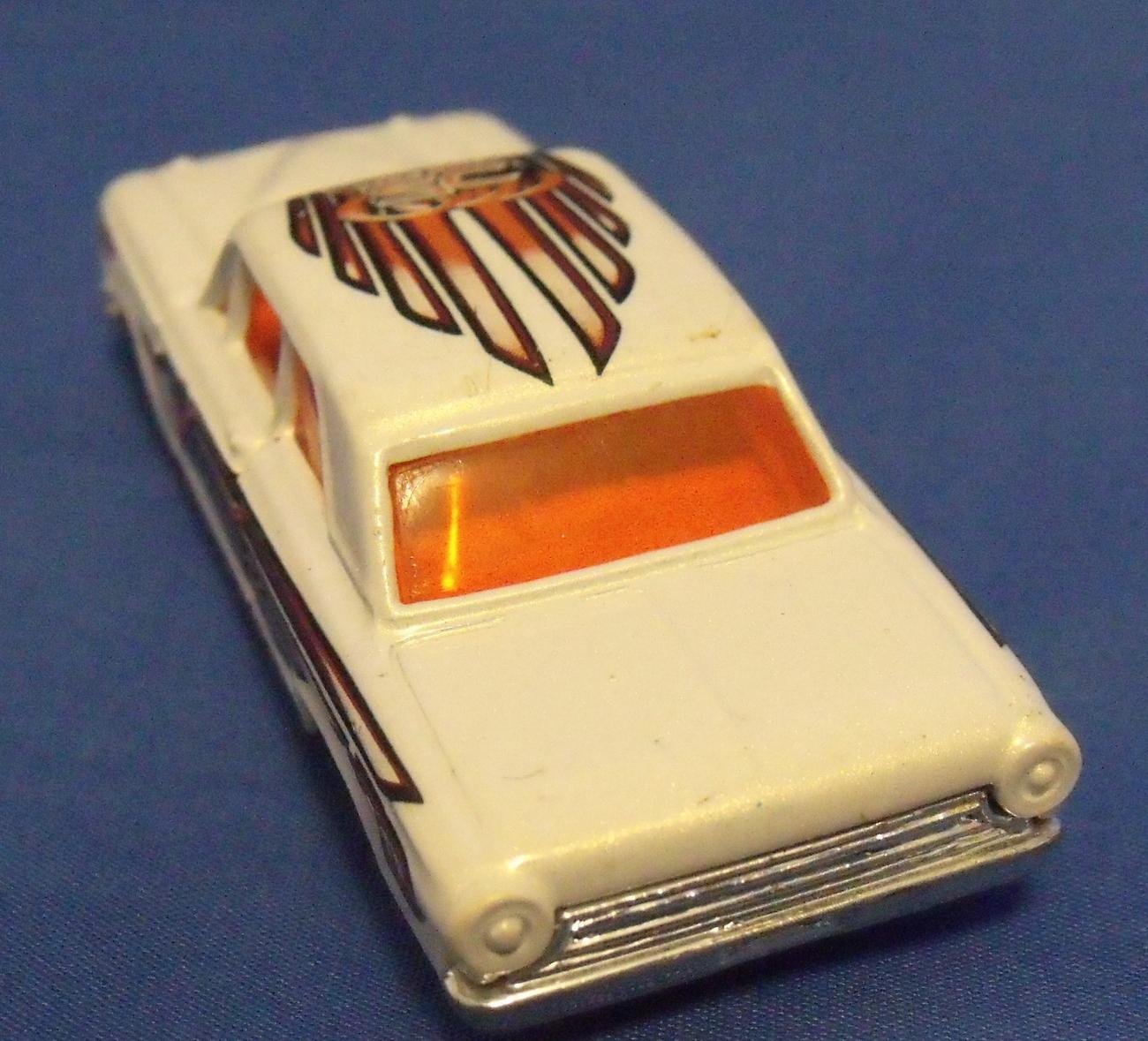 Toys Mattel 2001 Hot Wheels Ford Thunder Reptile Eater Car