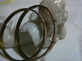 Awesome Vintage Unmarked Brass Beige Brown Mother of Pearl Bangle Bracelets - $9.27