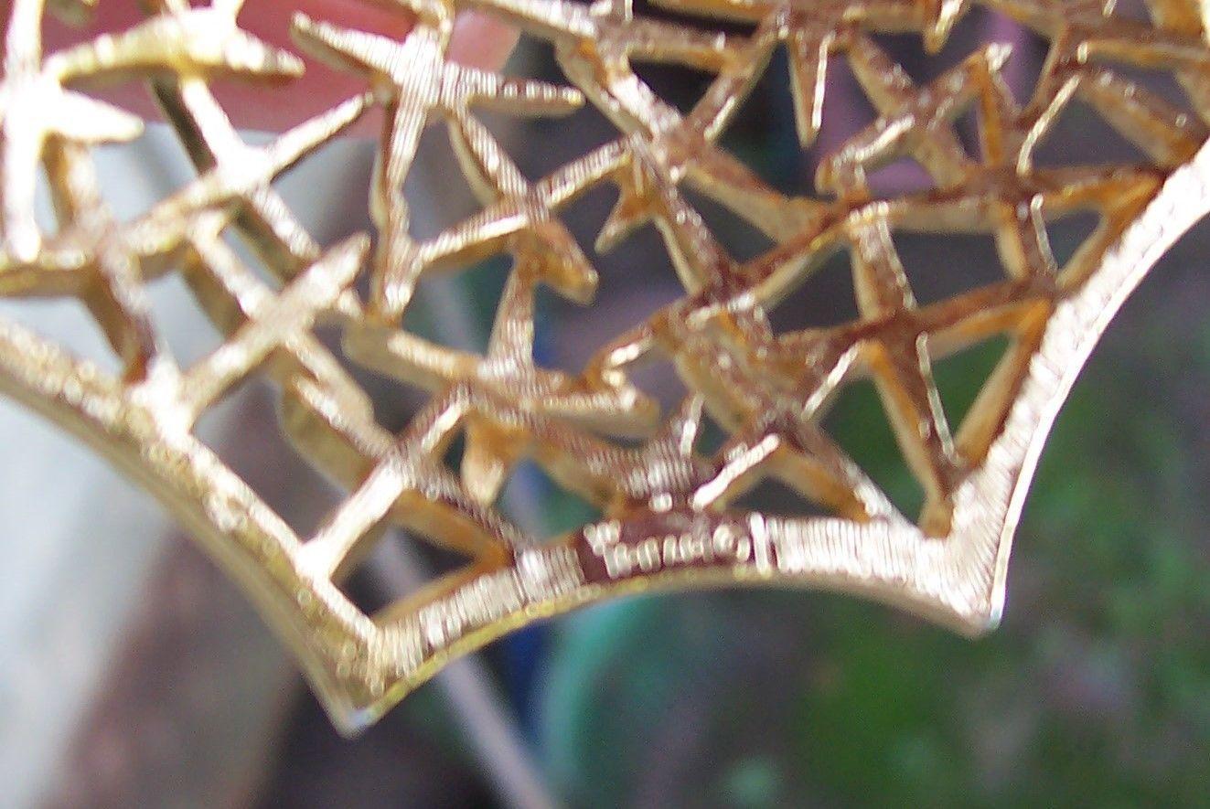 """Vtg  Designer Trifari Tumbling Stars Gold-Tone 3"""" x 2"""" Pendant 1950's Signed"""