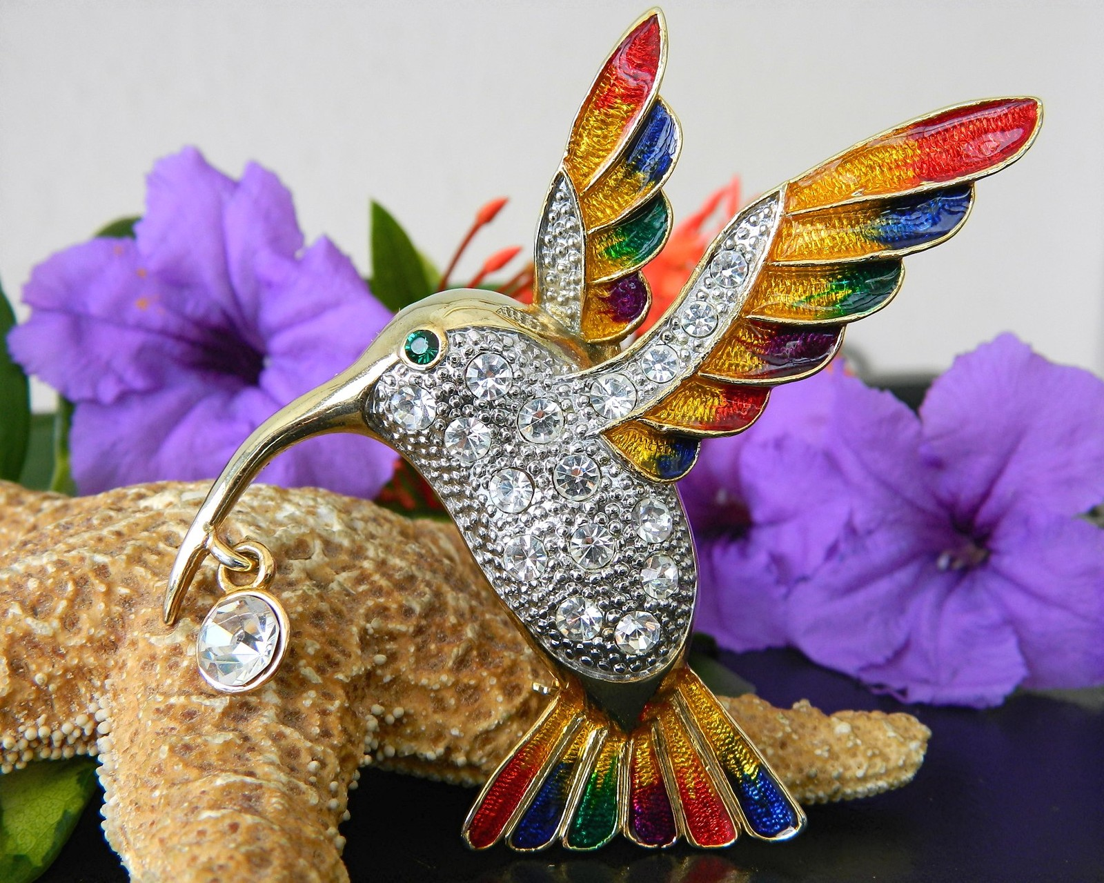 Hummingbird bird brooch pin rhinestones enamel colorful large goldtone