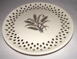 Golden Wheat Plate Homer Laughlin Fleur de lis USA Vtg Gold Salad White ... - $19.75