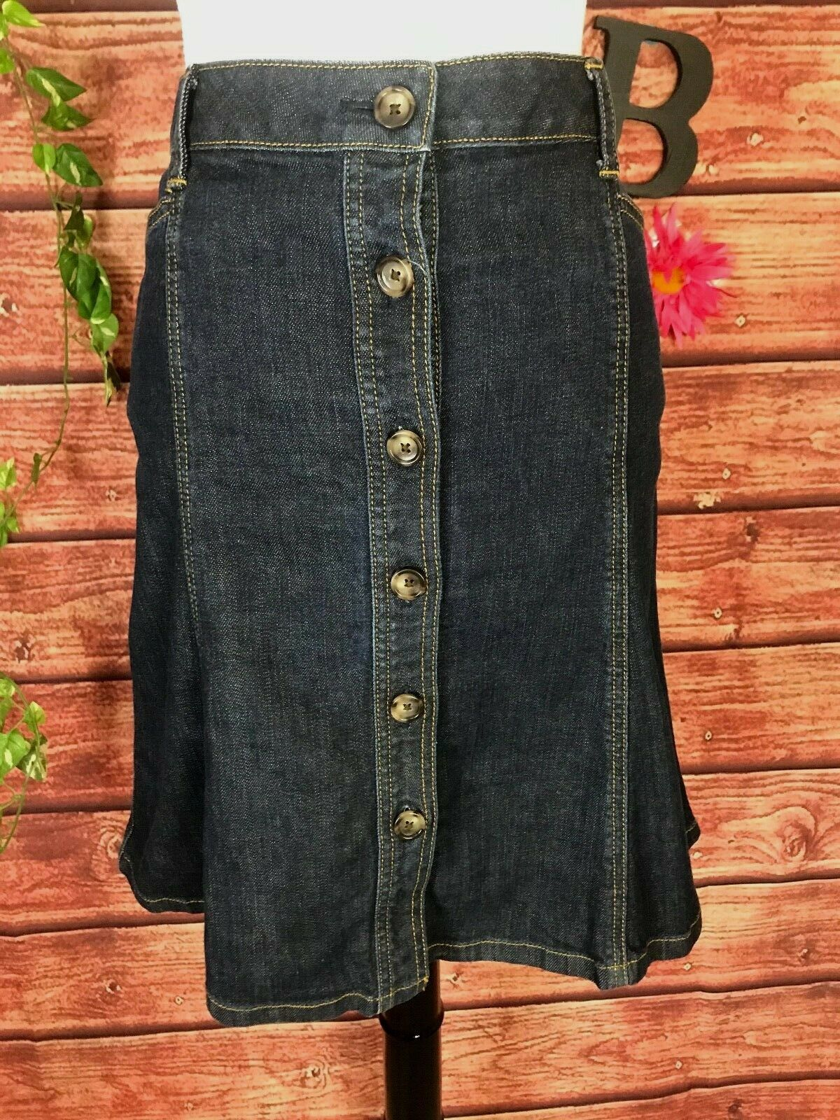 Primary image for Ann Taylor Skirt size 8 Denim Jean Knee A Line Button Front Stretch Classic Slim