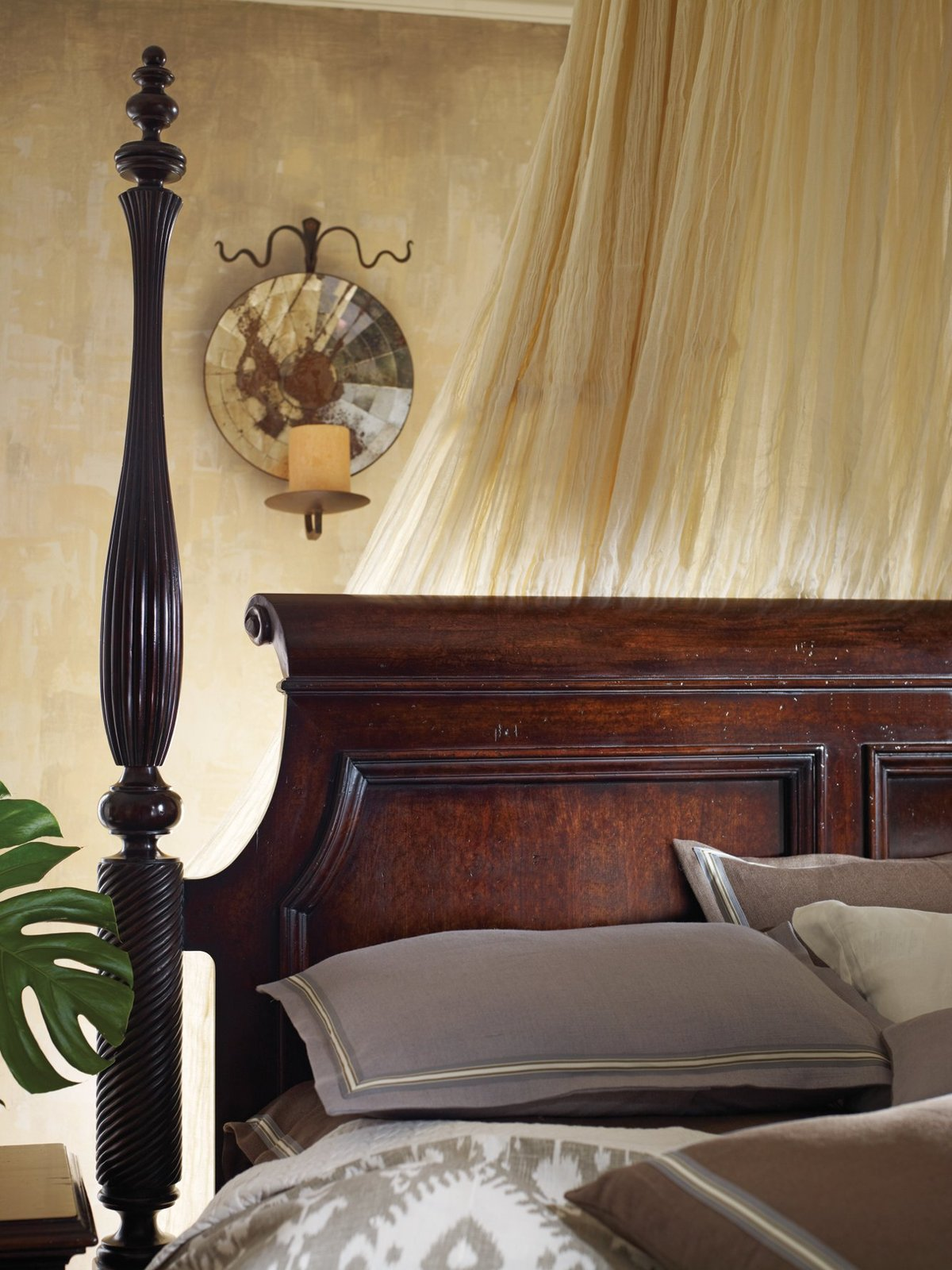 British colonial poster bed in caribe by stanley furniture for Colonial beds