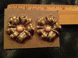 "1.25"" Round Gold Tone Petals Pink Lucite Earrings Goldtone posts for pie... - $13.09"
