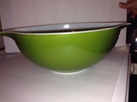 Vintage Pyrex Verde Green Cinderella Mixing Bowl- 4 Quart 444 - $14.85