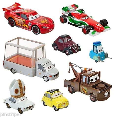Disney Pixar Cars Holy Moly Die Cast Set 8 PC Pope Mobile Porta Corsa Francesco