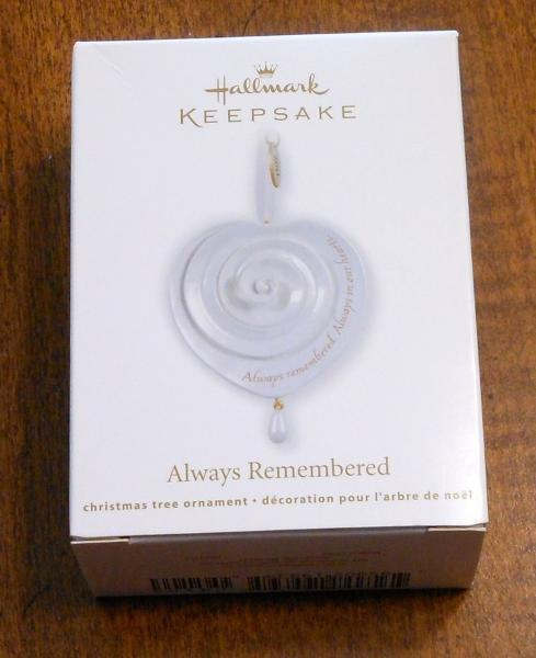 Primary image for Hallmark 2011 Always Remembered Ornament (NIB)