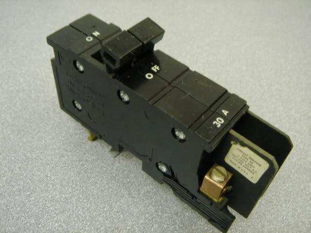 "XO BREAKER 30 Amp 2 Pole Square D Cutler Hammer 1""THIN"