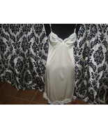 Vintage Ladies Adonna Size 34 Ivory Color Lacy Nylon Slip  - $318,16 MXN