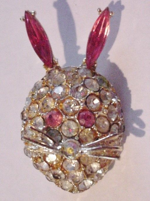 Unsigned AB Vintage Rhinestone Brooch Pin Figural Rabbit Bunny Glass