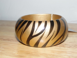 Beautiful Avon Wooden Bangel Bracelet  - $7.00