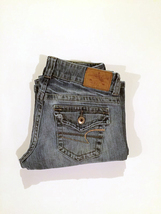 (012) American Eagle. Jeans. Size 6. Medium Wash. Button Pockets. Boyfri... - $20.00