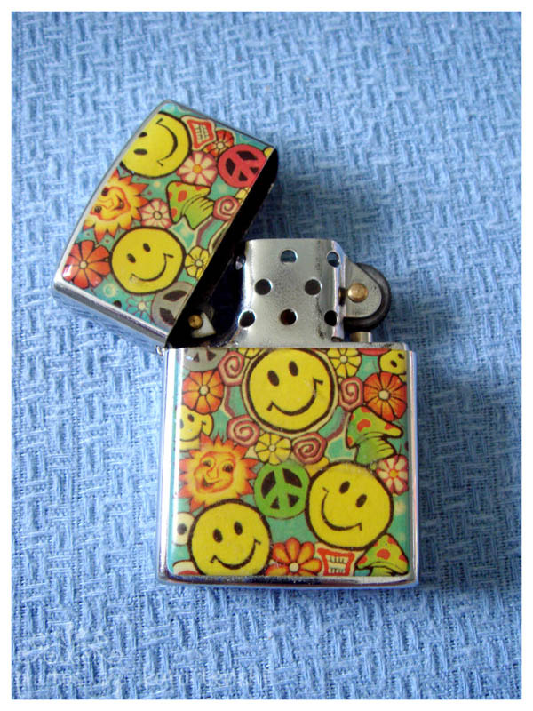 Not used Peace and Smiley Lighter