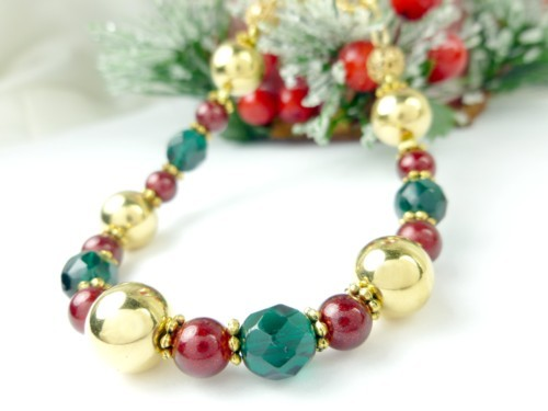 Gold green and red beaded holiday christmas bracelet e9c8dd21 1