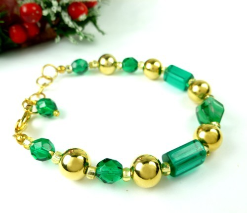 Round_faceted_green_glass_and_gold_beaded_holiday_christmas_bracelet_156d0f95_1_