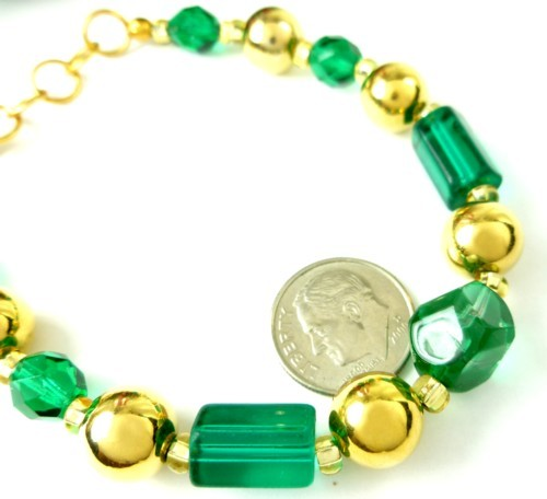 Round_faceted_green_glass_and_gold_beaded_holiday_christmas_bracelet_278c4ed8_1_