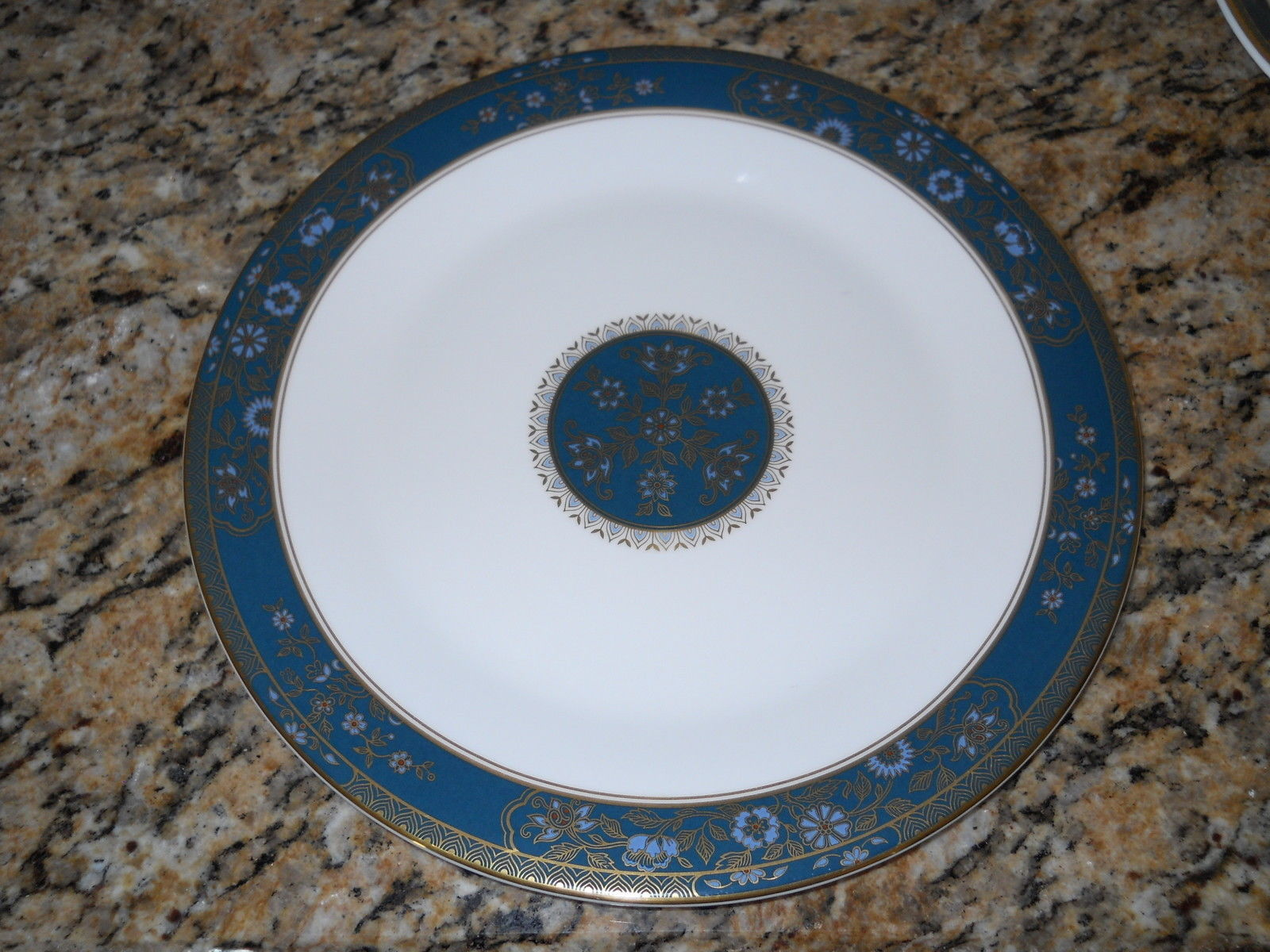 """EXCELLENT MULTIPLES ROYAL DOULTON /""""BLUEBERRY/"""" 6 1//4/"""" COUPE CEREAL BOWL"""