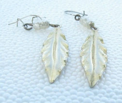 TINY FRESH WATER PEARL & GOLD COLOR FEATHER SHAPED DROPPED PIERCED EARRINGS - $9.89