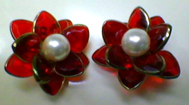 Vintage Jewelry Clip On Earrings Ruby Red Flower w Pearl Funky Retro Ear... - £30.86 GBP