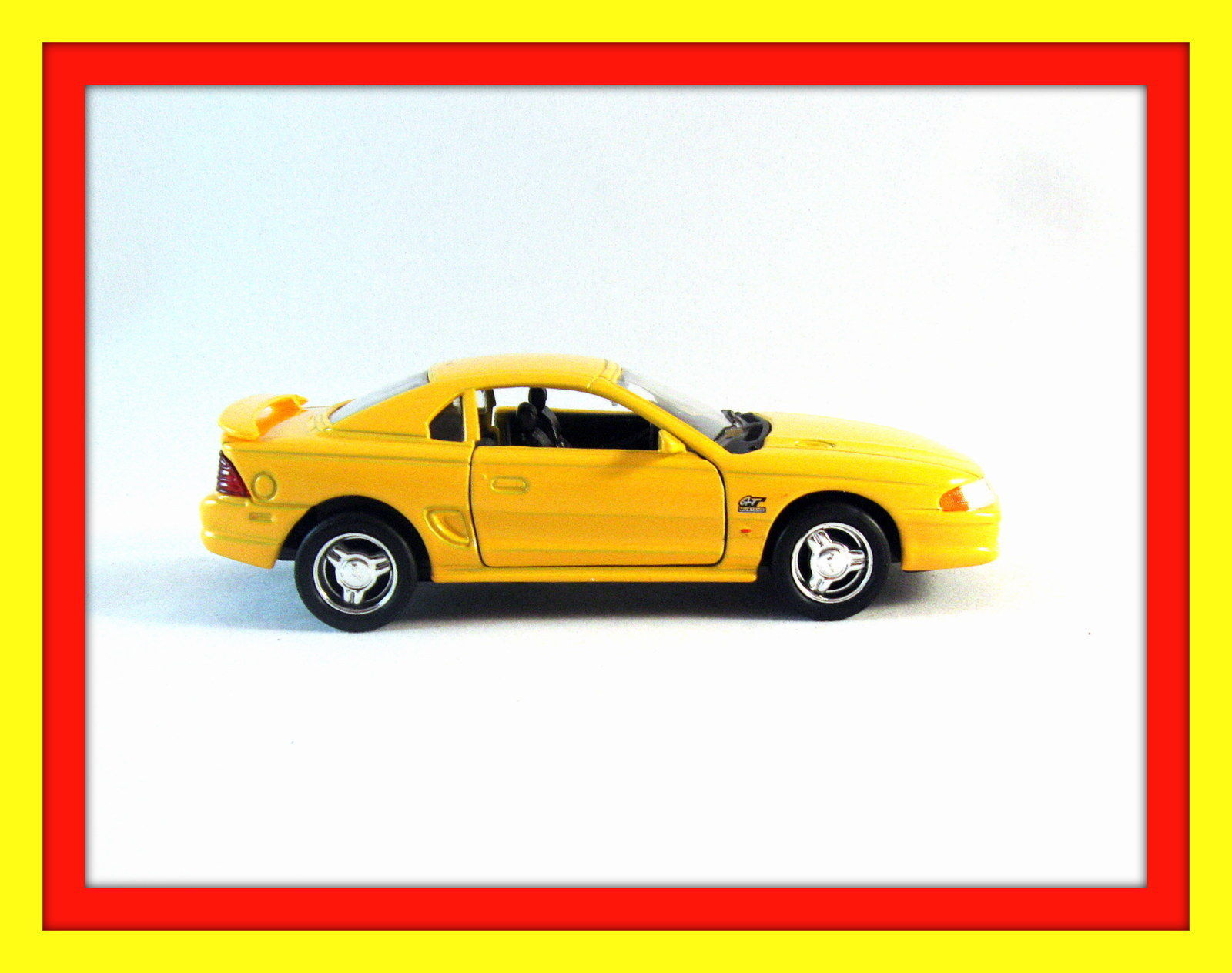 ford mustang gt 1994 welly 1 32 diecast car collector 39 s model ford collection contemporary. Black Bedroom Furniture Sets. Home Design Ideas