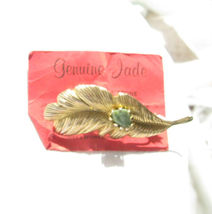GENUINE JADE STONE ON GOLD COLOR FEATHER BROOCH - $9.89